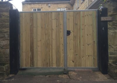 Jay-Tech Engineering domestic wooden gate installation